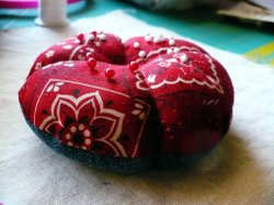 Sewing_room_pincushion